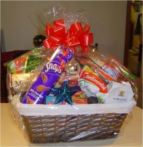 369760-christmas-hamper-courtyard-by-marriott